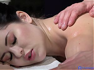 chubby arse Cassie practices the most romantic massage